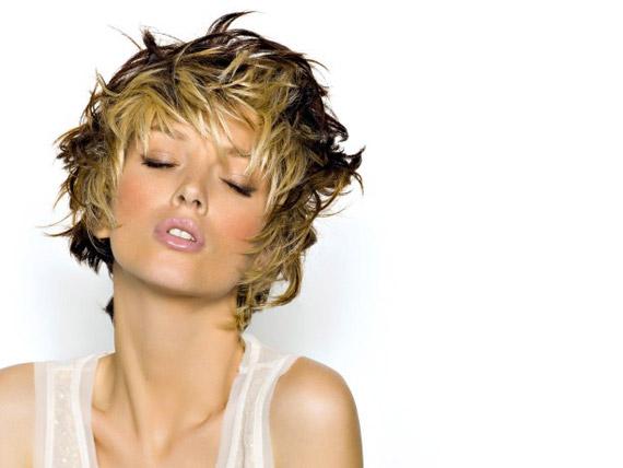 Favori Diamoci un taglio: capelli corti primavera-estate 2013 - Female  TK49