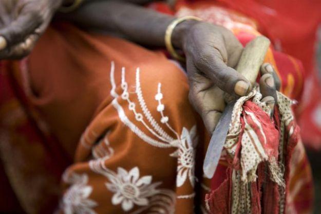 Mutilazioni genitali femminili: in Egitto il primo processo a carico di un medico
