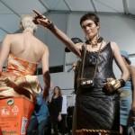 Moschino sfilata Milano: scarica di colori per l'inverno