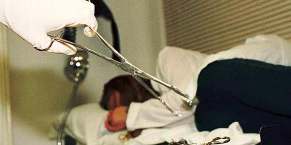 Aborti clandestini: scoperto ambulatorio degli orrori, dove giovani ragazze erano costrette ad abortire