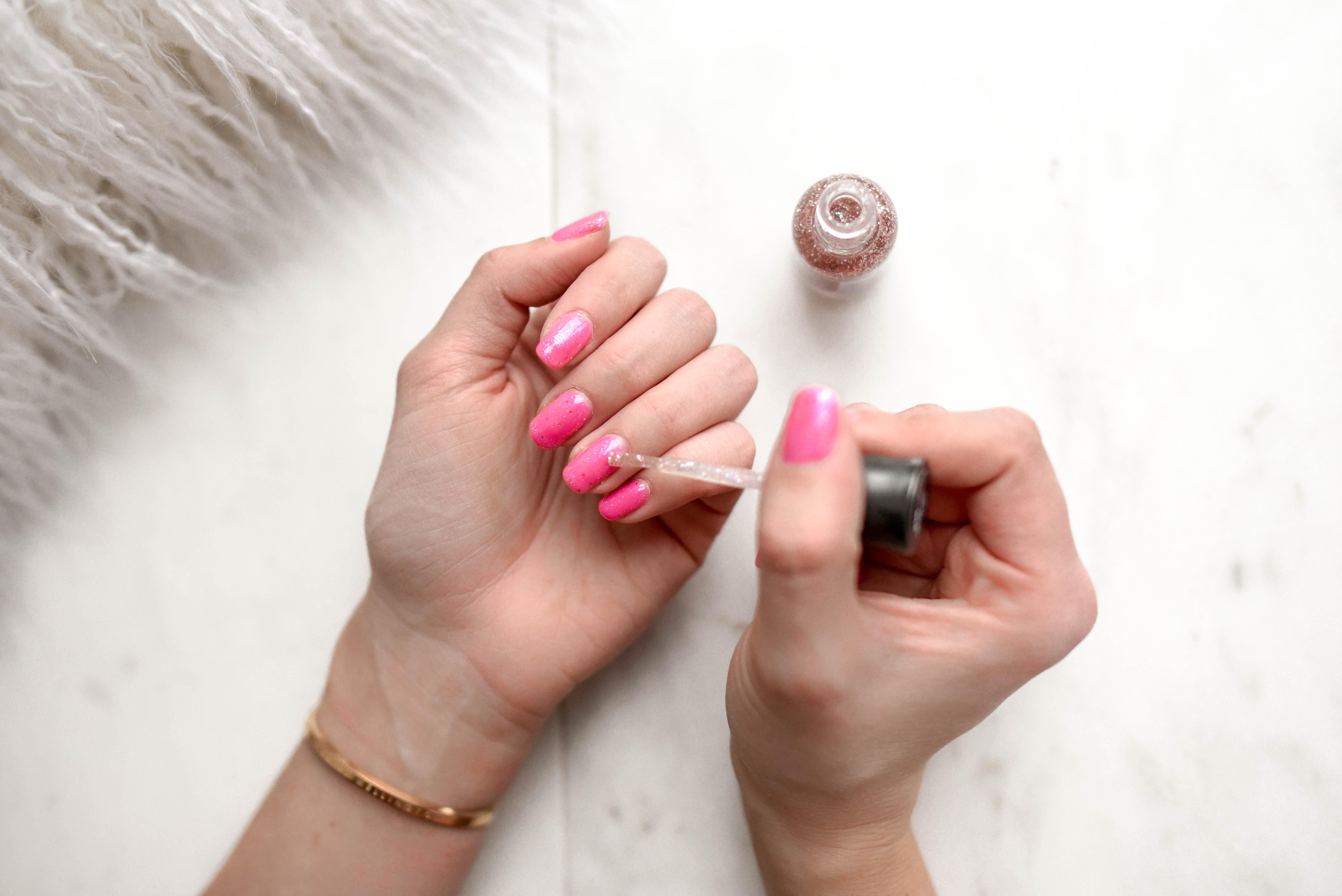 Quali smalti scegliere per unghie sempre di tendenza