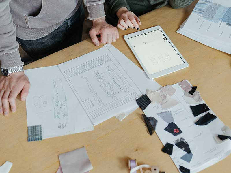 Chi era Kenzo Takada, il designer del brand tanto amato dalle donne